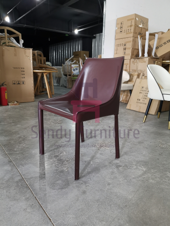Upholstered Tanned Leather Saddle Leather Chair Hotel Usage With Mini Armrest